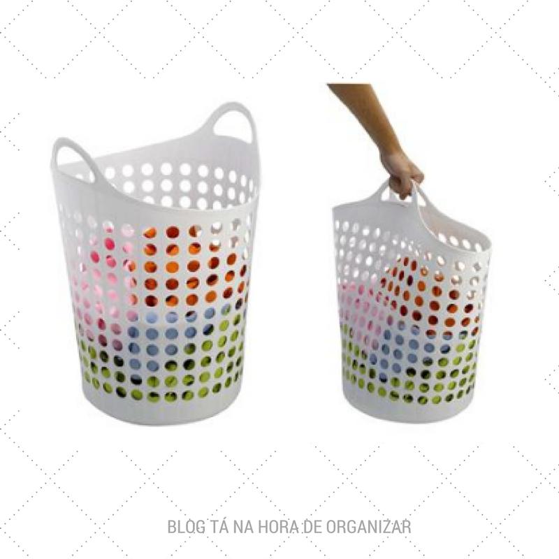 Três cestos na lavanderia ajudam a separar as roupas e ganhar tempo.